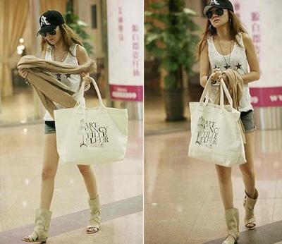 Xu hướng thời trang mới với túi vải thô 2